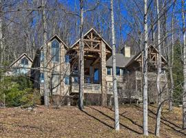 Luxury Asheville Area Home with Game Room and Deck!, hotel in Hendersonville