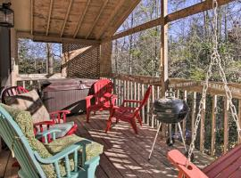 Renovated Smoky Mtn Cabin - Hot Tub, Trees, Peace!, villa in Sevierville
