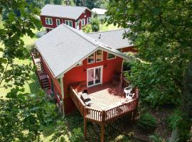 'Cantrell Cottage' Cozy Getaway with Smoky Mtn Views, hotel in Hendersonville