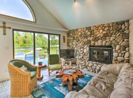Secluded Bass Lake Cabin, 9 Mi. to Traverse City!, vacation rental in Traverse City
