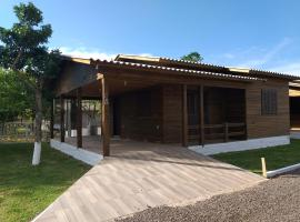 CHALÉS DO VÔ LÉRIO/TORRES-RS, pet-friendly hotel in Torres