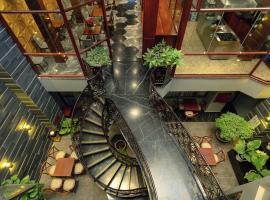 Victorian Hotel Dalat、ダラットのホテル