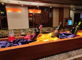 Hotel Supreme Heritage, hotel near Pune International Airport - PNQ, Pune