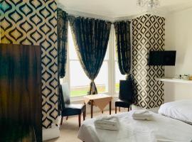 Four Oaks Hotel, hotel near Bodnant Garden, Llandudno