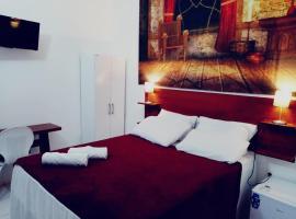 Hotel Castelo La Paloma, hotel near Aureliano Lima Square, Gamboa