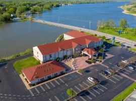 Holiday Inn Express Hotel & Suites Port Clinton-Catawba Island, hotel near Kalahari Waterpark, Port Clinton