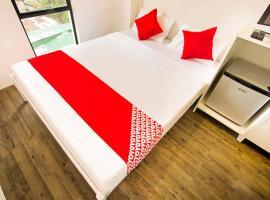 OYO 518 MyTown Amsterdam, hotell i Manila