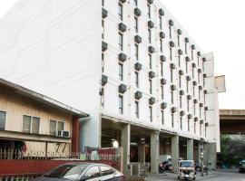 OYO 518 MyTown Amsterdam, hotel in Manila