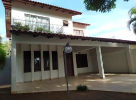 SOBRADO COM FÁCIL ACESSO A ROTA TURISTICA, apartment in Foz do Iguaçu