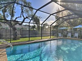 Charming Sarasota Studio with Pool Near Siesta Beach!, apartment in Sarasota
