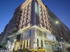 Light Hotel, отель в Тиране