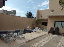 Casa piscina, room in Sumaré