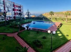La Siesta Bel appartement bord de mer avec piscine, hotel in Mohammedia