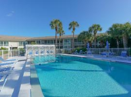King Bed - Walk to St. Armand's Circle and Lido Beach in Minutes!, apartment in Sarasota