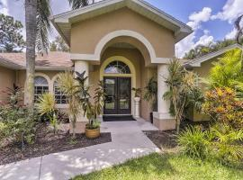 Private Fort Myers Escape with Screened Pool and Lanai, Ferienunterkunft in Fort Myers