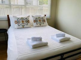 Your Home in Sandy Bay, hotel in Sandy Bay