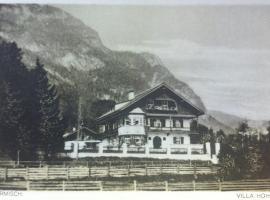 Gästehaus Hohe Tannen, guest house in Garmisch-Partenkirchen