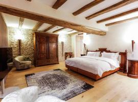 Auberge Saint Walfrid, hotel in Sarreguemines