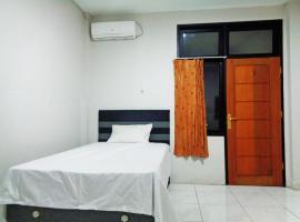 OYO Life 2795 Kost Al Barokah 2, hotel near Plaza Senayan, Jakarta