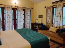 Bandhavgarh Jungle Lodge, hotel en Tāla