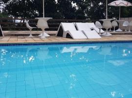 Teresopolis casa inteira com internet, holiday home in Teresópolis