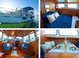 HOMEBOAT-maison flottante, boat in Geneva