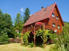 Dom CROCUS z ogrodem w Parku Krajobrazowym – hotel w pobliżu miejsca Wyciąg narciarski Malinka w Brennie