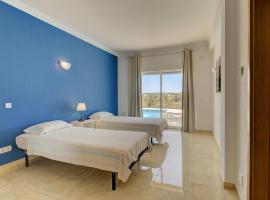 Casa Hortinha wonder 3 bedroom villa in Ferragudo with private pool, hotel en Ferragudo