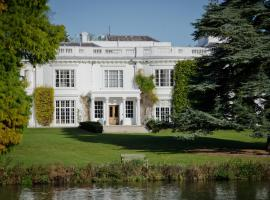 Henley Business School, hotel near Bearwood Lakes Golf Club, Henley on Thames