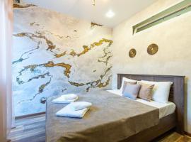 More Apartments na Estonskoy 37 (3), budget hotel in Estosadok