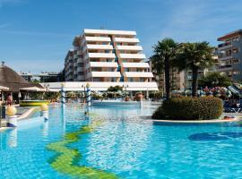 Aparthotel Holiday, hotel v Bibione