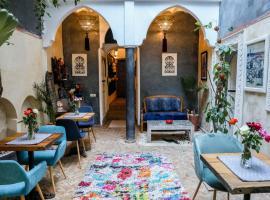 Riad les 2 Portes, hotel in Marrakesh