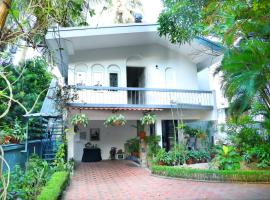 Sandra's Home, hotel in Ernakulam
