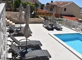 Apartments Marlin Blue, hotel with pools in Dubrovnik