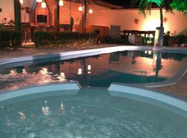 Zuri Pousada, hotel with pools in Maragogi