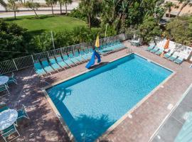 South Beach Condo Hotel, hotel near Treasure Isle Boat Rentals, St Pete Beach