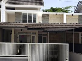 Casa Dolce Casa, villa in Malang