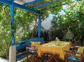 A Cretan house in the garden., hotel in Koutsounari