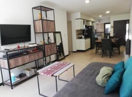 Apartamento luminoso en excelente zona de Mendoza, hotel in Guaymallen