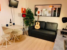 cosy studio montmartre, lejlighedshotel i Paris