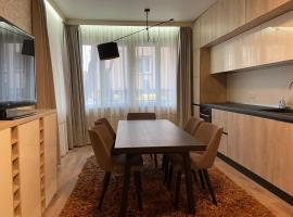 Brand New Top Center Apartment, апартамент във Варна