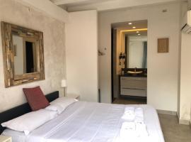 The Edwards Suites, budget hotel in Saint-Tropez