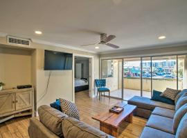 Family Condo with Pool Less Than 1Mi to Old Town Scottsdale!, apartment in Scottsdale