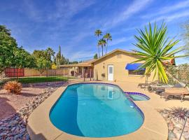 Colorful Home with Grill Less Than 4 Mi to Talking Stick Golf, villa in Scottsdale