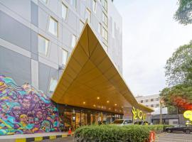 Yello Hotel Manggarai, hotel in Jakarta