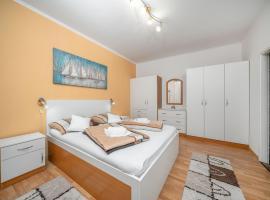 Adria Sun Apartments, hotel in Vodice
