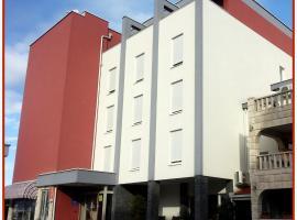 Hotel Dina, hotel near Kravica Waterfall, Međugorje