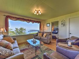 Waterfront Home 6.5 Mi to Olympic National Park, hotel in Port Angeles