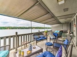 Lakefront Hot Springs Condo with Dock and Balcony, vacation rental in Hot Springs