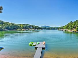 Nottely Lake Home with Hot Tub, Dock, Kayaks and Games, hotel in Blairsville
